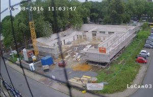 Die Betonarbeiten sind beendet. Jetzt kommen die Dachdecker..